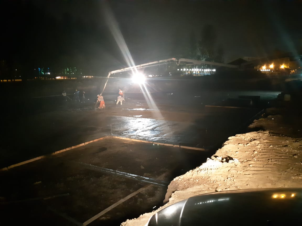 заливка бетона ночью